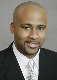 headshot for lawyer at Latham & Watkins